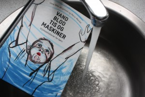 Vand blod tis og maskiner